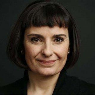 Author elena moya